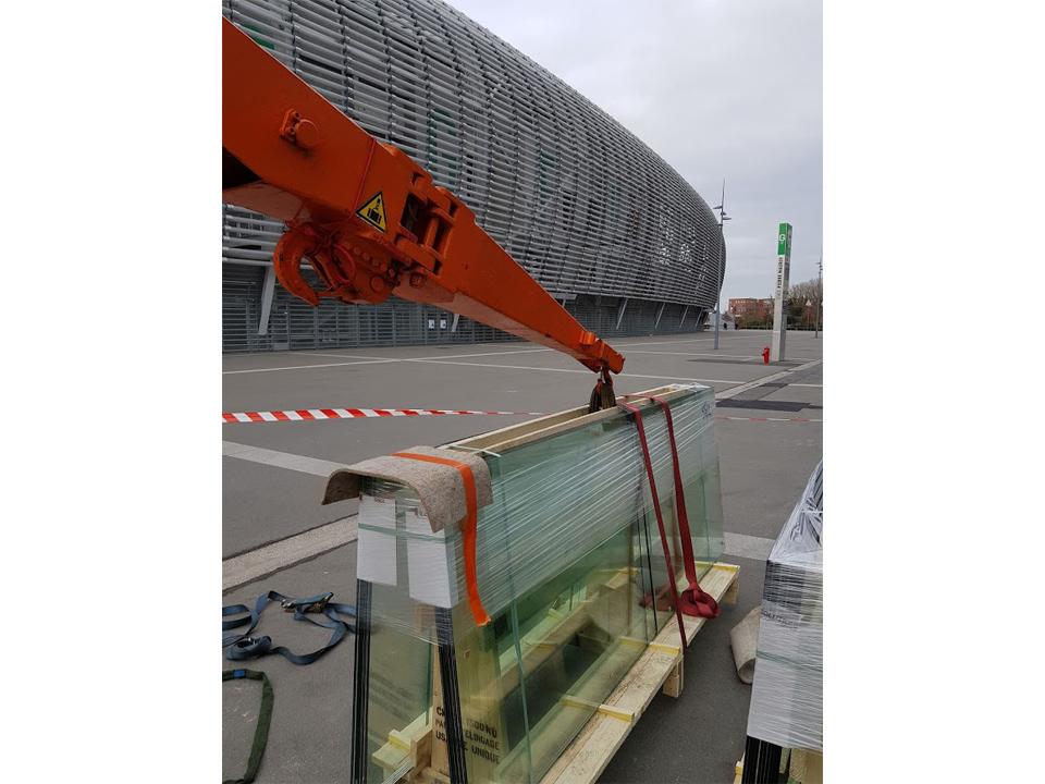 Grutage de chevalets au Stade Pierre Mauroy (01)